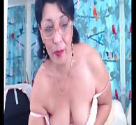 Mature brunette webcam slut