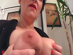 cumming with a hot mature milf