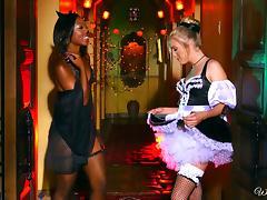 White lesbian hottie and black Goddess are experts at pussy licking