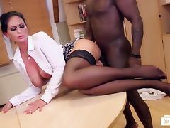 Bums Buero - German MILF sucks black cock at the office
