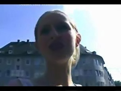 Amateur rips her pantyhose and gives head