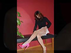 Trannygirl shooting in sexy Heels and Pantyhose
