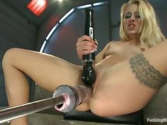 Superb Cameron Canada gets toyed deep in close-up scenes