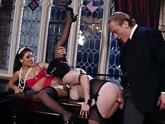 Lexi Lowe and Jasmine James fucks with gentleman