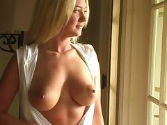 Alison Angel favours herself with fingering in the garden