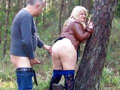 Big Ass Daniella gets creampie outdoors
